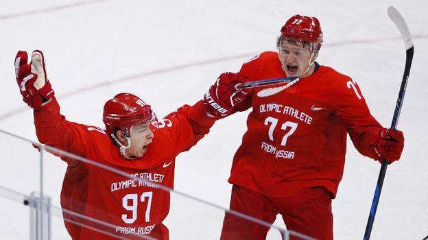 Герои олимпийского финала Никита ГУСЕВ (слева) и Кирилл КАПРИЗОВ. Фото Reuters