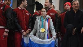 Понедельник. Шереметьево. Фигуристка Алина ЗАГИТОВА с двумя олимпийскими наградами - золотой и серебряной.
