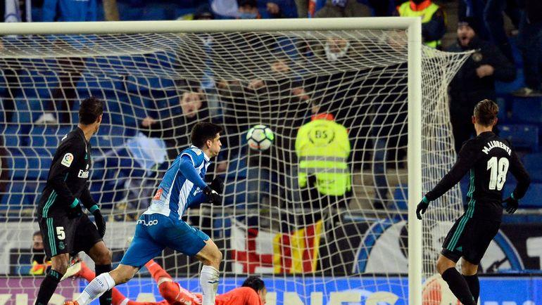 """Вторник. Барселона. """"Эспаньол"""" - """"Реал"""" - 1:0. Жерар МОРЕНО забивает гол. Фото AFP"""