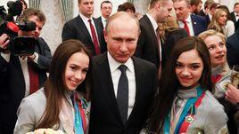 Сегодня. Кремль. Алина ЗАГИТОВА, Владимир ПУТИН и Евгения МЕДВЕДЕВА.