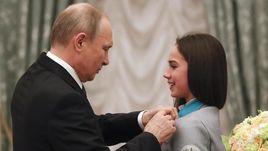 Среда. Кремль. Владимир ПУТИН и Алина ЗАГИТОВА.