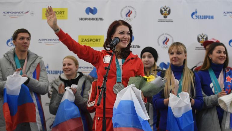 "Екатерина БОБРОВА (в центре). Фото Дарья Исаева, ""СЭ"""