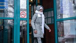 Евгения Медведева раскрыла секрет белого шарфа олимпийцев из России. Под ним был флаг