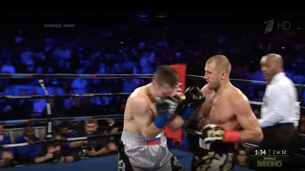 Момент боя между Сергеем КОВАЛЕВЫМ и Игорем МИХАЛКИНЫМ. Фото «СЭ»