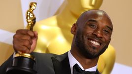 """Сегодня. Калифорния. Коби БРАЙАНТ получил """"Оскар""""."""