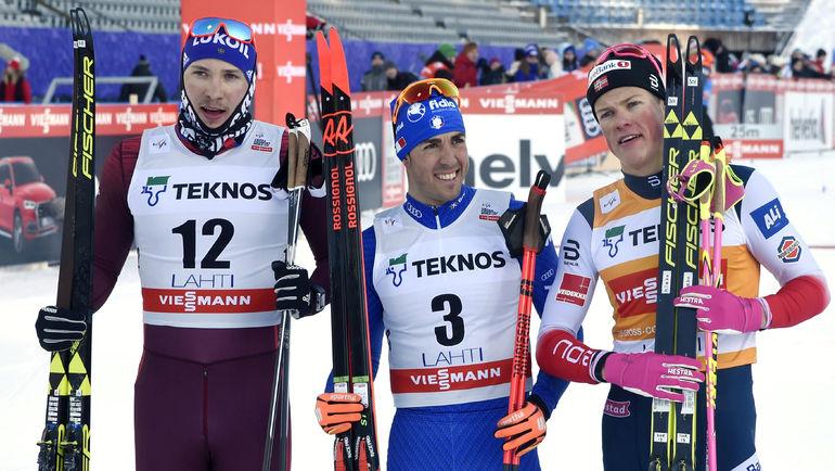 Суббота. Лахти. Глеб РЕТИВЫХ (слева), Йоханнес КЛЕБО (справа) и Федерико ПЕЛЛЕГРИНО. Фото AFP