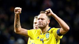 10 ноября 2017 года. Стокгольм. Швеция - Италия - 1:0. Радость капитана шведов Андреаса ГРАНКВИСТА (№ 4) после победы.