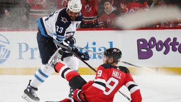 Канадец мог побить суперрекорд НХЛ XXI века. Не хватило одного матча