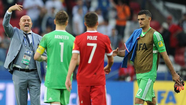 Станислав ЧЕРЧЕСОВ (слева) вызвал Владимира ГАБУЛОВА (справа) в сборную. Фото Алексей ИВАНОВ