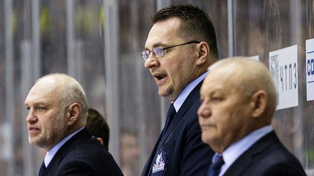 Андрей НАЗАРОВ (в центре). Фото photo.khl.ru