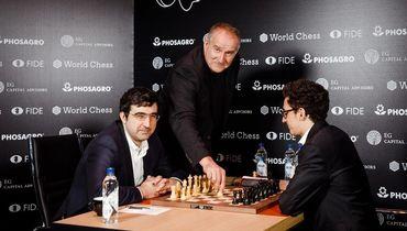Белые начинают и проигрывают. Неудачный день для российских гроссмейстеров