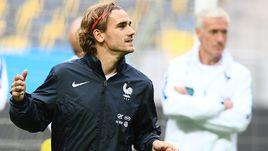 Антуан ГРИЗМАНН - одна из главных звезд сборной Франции Дидье ДЕШАМА.