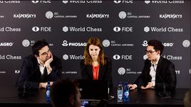 Владимир КРАМНИК (слева) и Фабиано КАРУАНА (справа) лидируют на турнире претендентов.