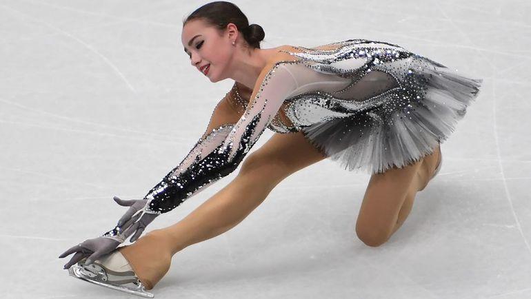 Среда. Милан. Алина ЗАГИТОВА - вторая после короткой программы. Фото AFP