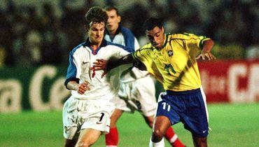18 ноября 1998 года. Форталезе. Бразилия - Россия - 5:1. Сергей СЕМАК и ДЕНИЛСОН.