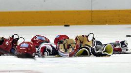 Две на одну. Как дерутся девушки в хоккее
