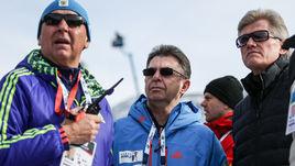 Президент СБР Александр КРАВЦОВ (в центре), тренер Владимир БАРНАШОВ (слева) и двукратный олимпийский чемпион Дмитрий ВАСИЛЬЕВ.