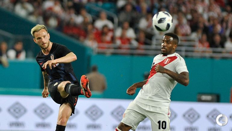 Вчера. Майами. Перу - Хорватия - 2:0. Иван РАКИТИЧ против Джефферсона ФАРФАНА.