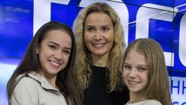 Вторник. Москва. Алина ЗАГИТОВА, Этери ТУТБЕРИДЗЕ и Александра ТРУСОВА на пресс-конференции.