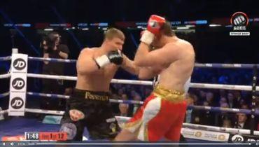 В первом раунде Поветкин работал по копусу.