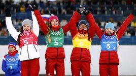 Бронзовые призеры Олимпиады-2018 в эстафете (слева направо) Наталья НЕПРЯЕВА, Юлия БЕЛОРУКОВА, Анастасия СЕДОВА, Анна НЕЧАЕВСКАЯ.