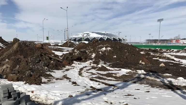 Пока вокруг стадиона в Самаре такие пейзажи. Фото Михаил ГОНЧАРОВ, «СЭ»