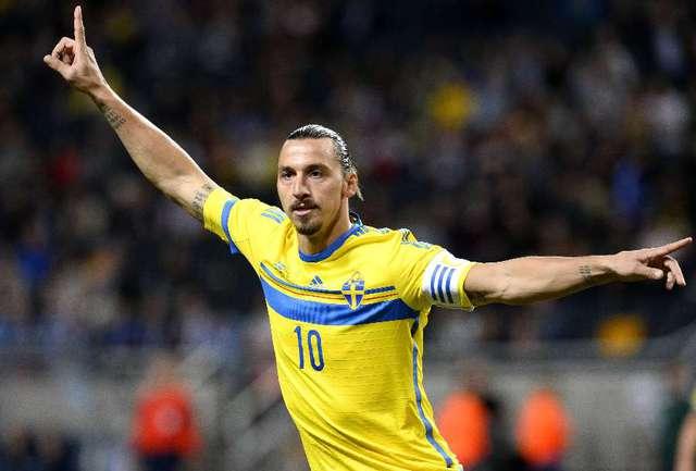 Нападающий сборной Швеции Златан ИБРАГИМОВИЧ Фото AFP