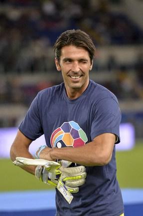 Капитан сборной Италии Джанлуиджи БУФФОН Фото AFP