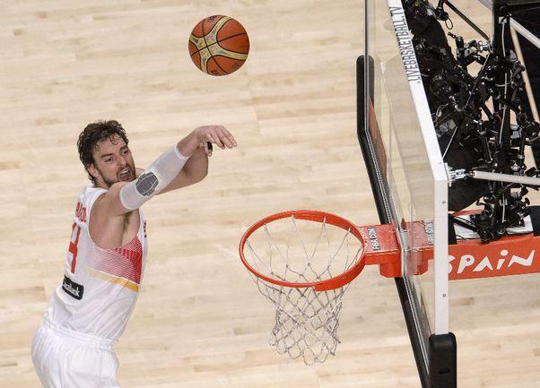 Центровой сборной Испании Поу ГАЗОЛЬ Фото AFP