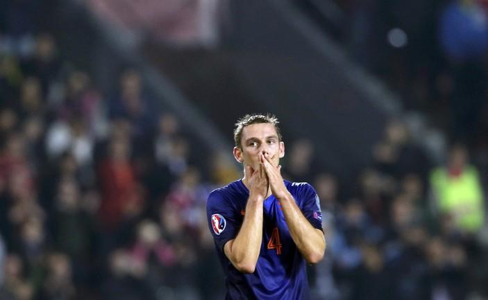 Защитник сборной Голландии Стефан де ФРАЙ Фото Reuters