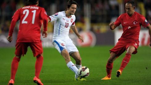 Росицки получил травму в матче с Турцией