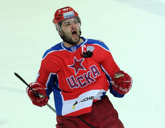 Хоккеист Александр РАДУЛОВ Фото Алексей ИВАНОВ, «СЭ»