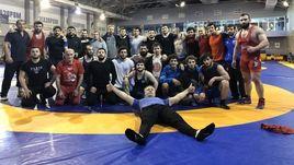 Сборные России и Грузии по греко-римской борьбе на совместном сборе перед чемпионатом Европы.