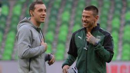 """Суббота. Краснодар. """"Краснодар"""" – """"Арсенал"""". Артем ДЗЮБА (слева) и Федор СМОЛОВ."""