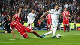 "Вторник. Мадрид. ""Реал"" - ""Бавария"" - 2:2. Карим БЕНЗЕМА - автор дубля."