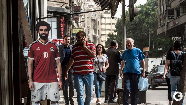 Среда. Каир. Портрет Мохамеда Салаха на улице города.