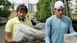 Александр ОВЕЧКИН (слева) и Евгений МАЛКИН: бывают команды, которым даже таких звезд мало.