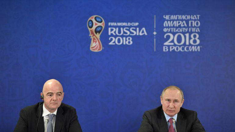 Владимир ПУТИН (справа) и Джанни ИНФАНТИНО. Фото AFP