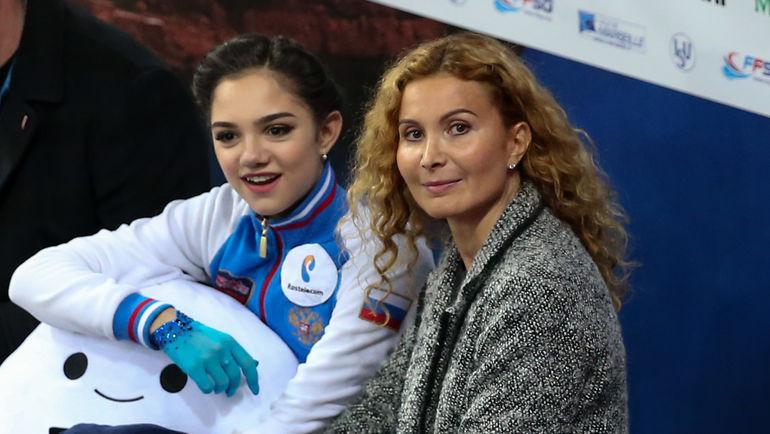 Евгения МЕДВЕДЕВА и Этери ТУТБЕРИДЗЕ. Фото Ксения НУРТДИНОВА