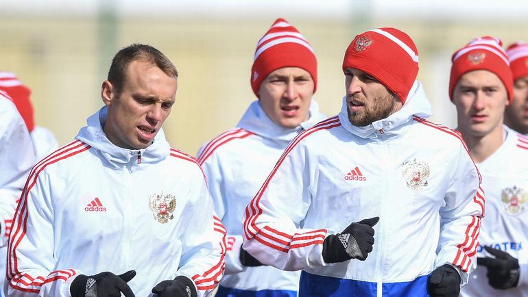 """Денис ГЛУШАКОВ (слева) и Дмитрий КОМБАРОВ (второй справа). Фото Дарья ИСАЕВА, """"СЭ"""""""