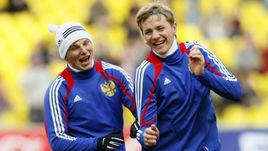 Октябрь 2009 года. Роман ПАВЛЮЧЕНКО (справа) и Андрей АРШАВИН на тренировке сборной России.