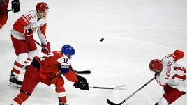 Четверг. Копенгаген. Чехия - Россия - 4:3 ОТ. Команда Ильи Воробьева пропустила первую шайбу на чемпионате мира и потерпела первое поражение.