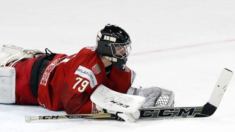 Пятница. Копенгаген. Белоруссия - Чехия - 0:3. Виталий ТРУС - на льду. Но по-прежнему в игре. Фото REUTERS