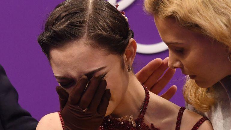 Евгения МЕДВЕДЕВА (слева) и Этери ТУТБЕРИДЗЕ на Олимпиаде. Фото AFP