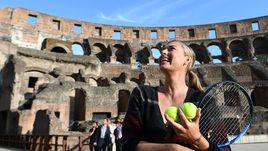 Ровно год назад, 14 мая 2017 года, Мария ШАРАПОВА провел фотосессию в сердце Рима - Колизее.