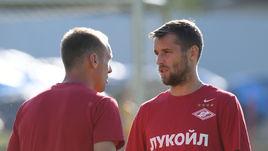 Главные антигерои спартаковского сезона Денис ГЛУШАКОВ (слева) и Дмитрий КОМБАРОВ.