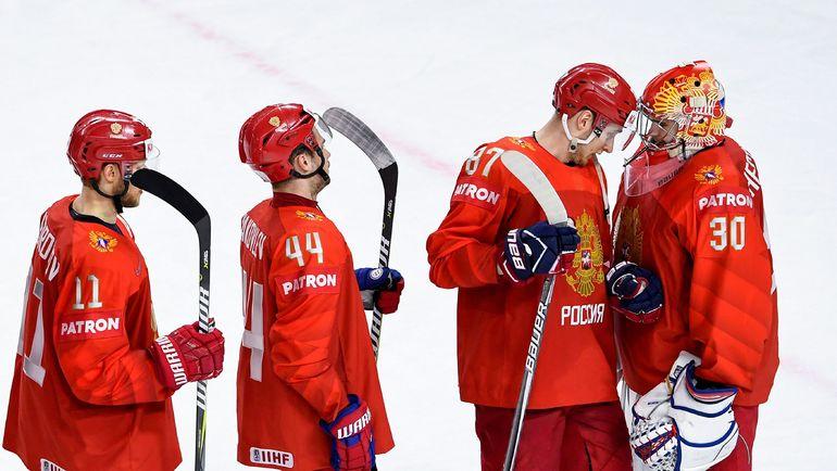 До плей-офф ЧМ-2018 Игорь ШЕСТЕРКИН (справа) вышел на замену в игре с Австрией (7:0) и провел два полноценных сухих матча против Белоруссии (6:0) и Словакии (4:0). Фото AFP