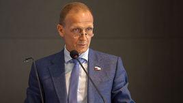 Пятница. Тюмень. Четырехкратный чемпион мира по биатлону Владимир ДРАЧЕВ был избран президентом Союза биатлонистов России.
