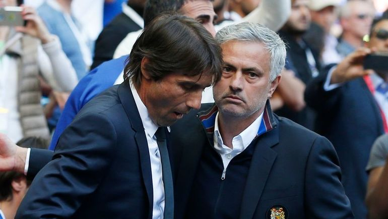 """Сегодня. Лондон. """"Челси"""" - """"Манчестер Юнайтед"""" - 1:0. Антонио КОНТЕ и Жозе МОУРИНЬЮ. Фото AFP"""