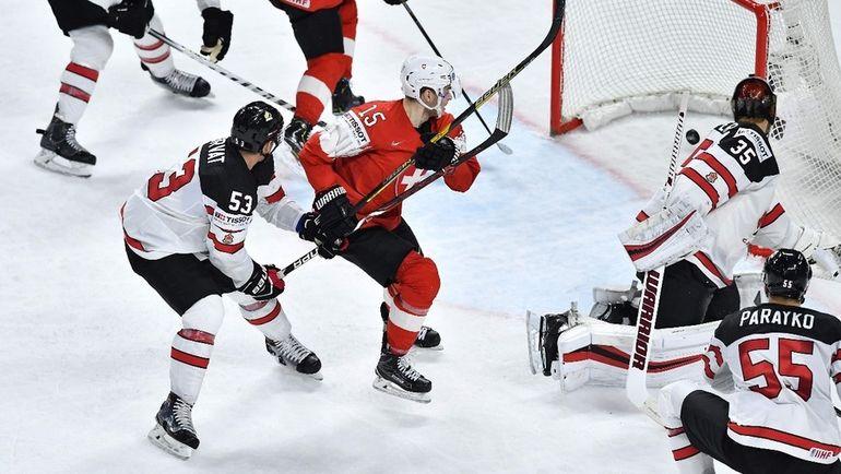 Суббота. Копенгаген. Швейцария - Канада - 3:2. Команда Патрика Фишера сотворила настоящую сенсацию. Фото AFP